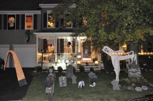 2015 - Halloween Decorating Contest 075