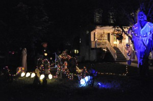2015 - Halloween Decorating Contest 118