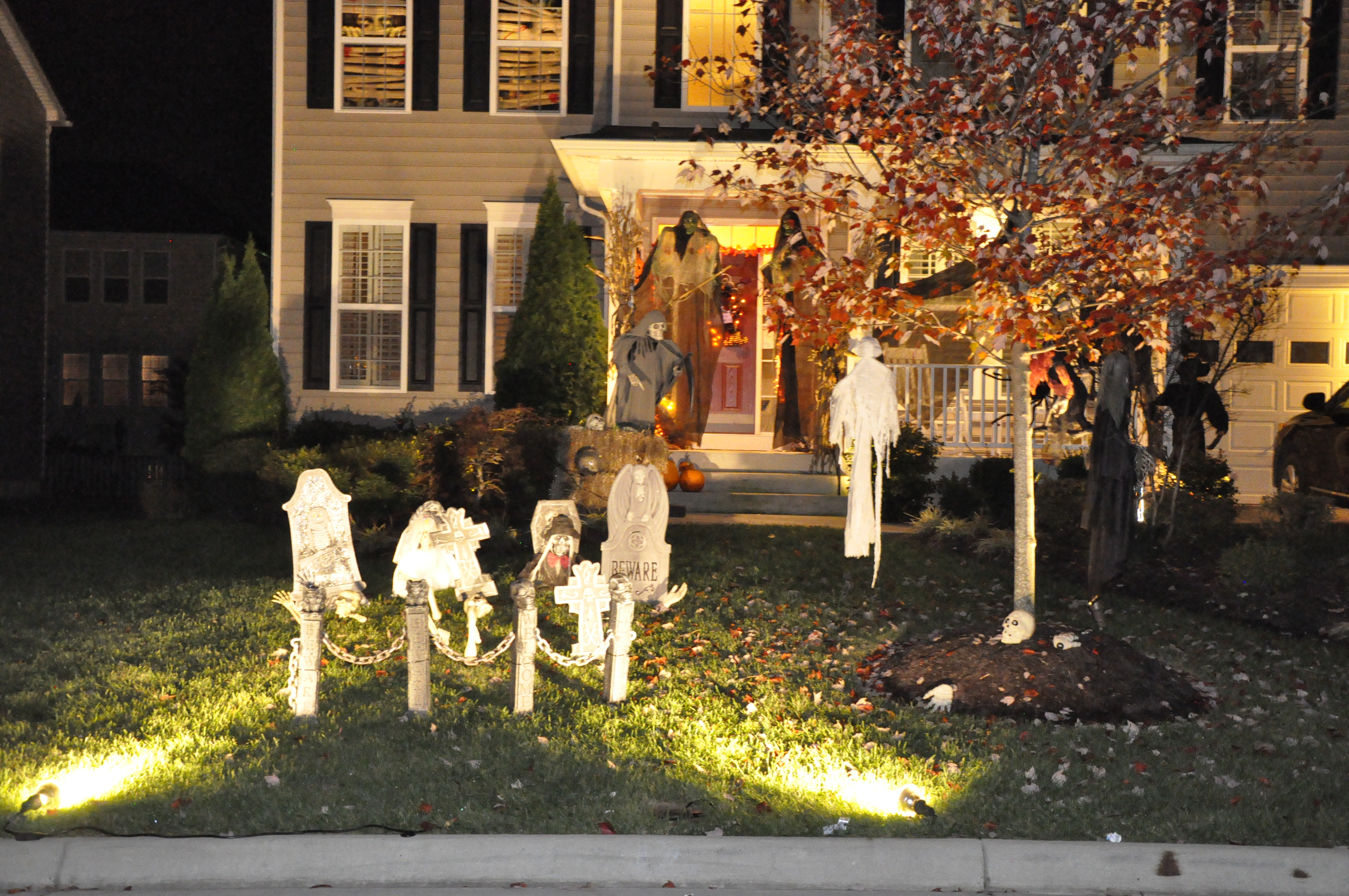 2015 halloween decorating contest 153 - Halloween Decorating Contest