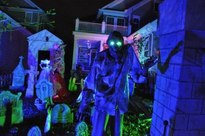 2015 - Halloween Decorating Contest 173