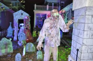 2015 - Halloween Decorating Contest 174